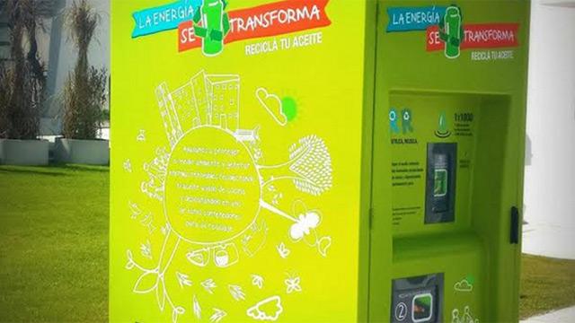 Instalan contenedores para reciclar aceite de cocina y for Reciclar aceite de cocina