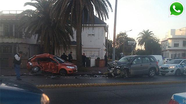 Un muerto en accidente entre auto y camioneta en rambla de Carrasco