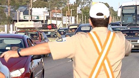 Adelantamientos incorrectos y exceso de velocidad, las multas más comunes