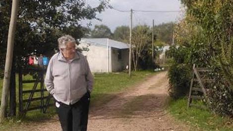 Detienen a ciudadano árabe que se desnudó en la chacra de Mujica