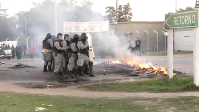 Incidentes en protesta por joven detenido y acusado de matar al pizzero