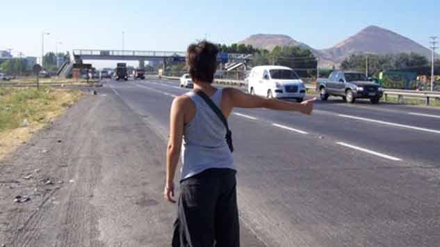 Policía Caminera bajará a pasajeros que viajen en la caja de camionetas