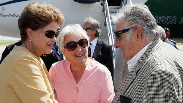 Mujica inauguró parque eólico y aprovechó a pedir apoyo al puerto de Rocha
