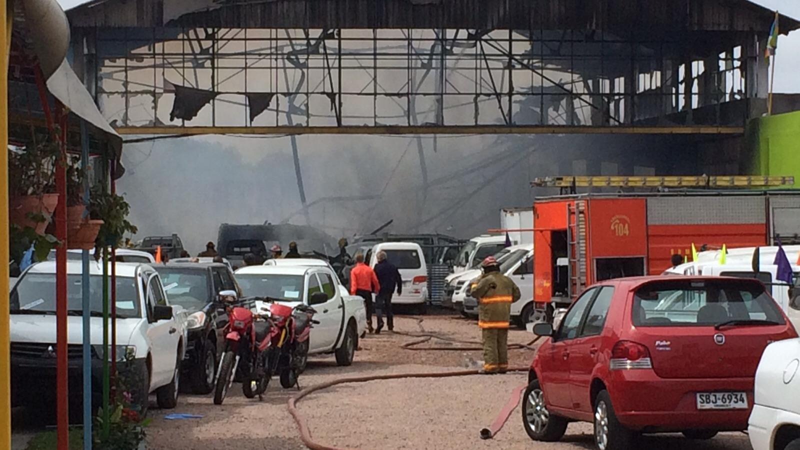 Este martes estará el informe de Bomberos sobre el incendio en automotora