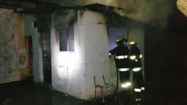 """Sospechoso"" incendio quemó carnés estudiantiles de liceo de Paysandú"