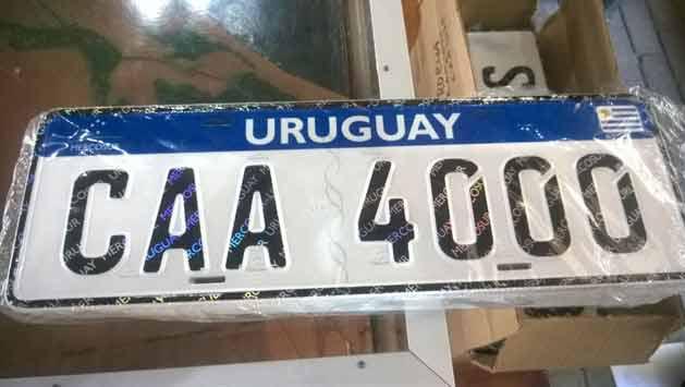 Antes de irse, Mujica presenta las nuevas matrículas del Mercosur