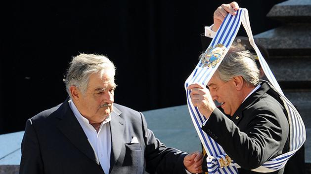 Cuatro de cada 10 creen que Vázquez hará un mejor gobierno que Mujica