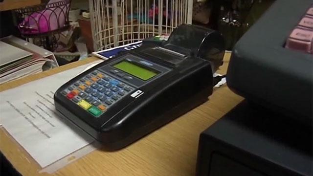 Centro de Almaceneros critica rebaja del IVA a compras con tarjeta