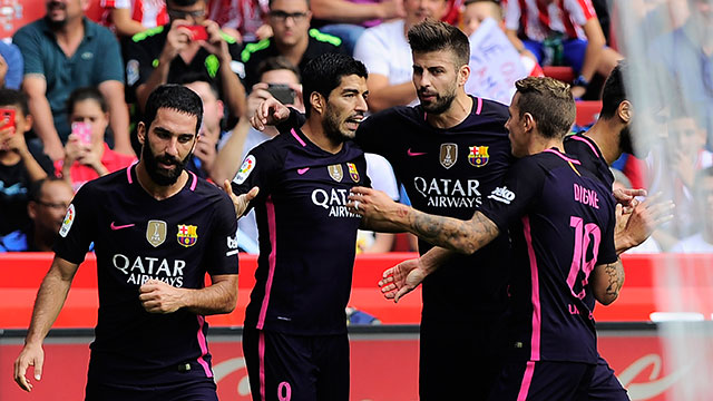 Con un gol de Suárez, Barcelona goleó 5-0 al Gijón por la Liga