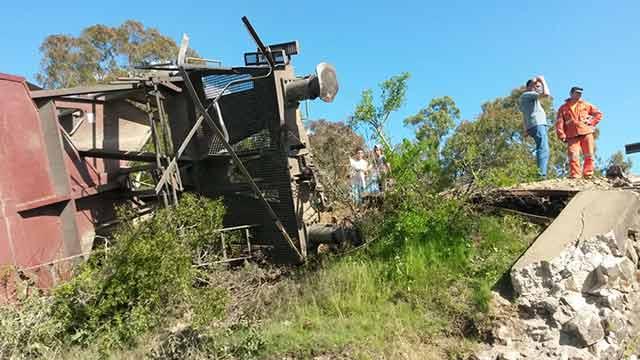 Fotos: Descarriló un tren de AFE que iba con carga hacia Minas